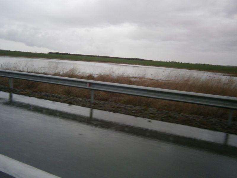 Наводнени земи покрай АМ Тракия