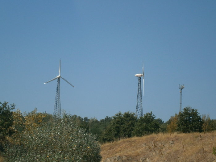 Ветрогенератори по билата на Сакар